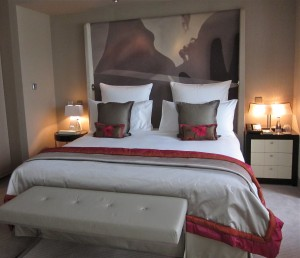 Guest room at the Mandarin Oriental Paris by Susan Manlin Katzman
