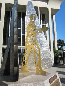 Raoul Wallennberg Sculpture/photo by S.M. Katzman